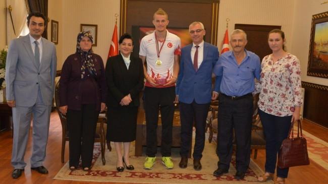 Milli Sporcudan Altın Madalya…