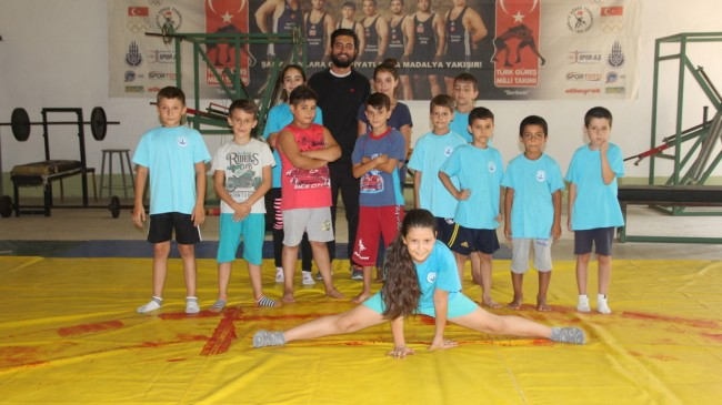 ''Minik sporcular taekwondo ile  bu kursta tanıştı''
