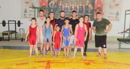 Alpullu'da güreş kursu devam ediyor