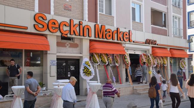 Mega Seçkin Market Yeni Yerinde Hizmete Girdi