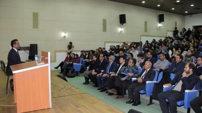 """""""BENİ BEN YAPAN DİLDİR"""" KONULU KONFERANS"""