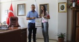 Milli sporcu  Kavaklı  Belediye Başkanını ziyaret etti