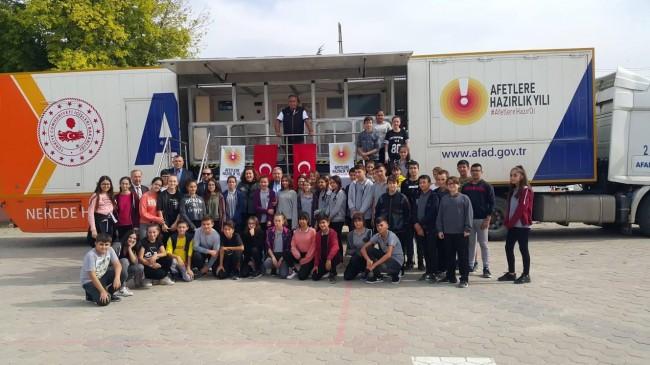 Deprem Simülasyon Tır'ı  Atatürk Ortaokulu'nda