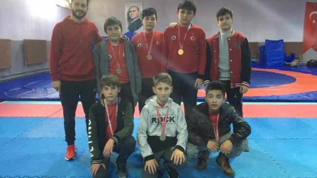 Demirköy Belediyesi Güreş Spor Kulübü'nden birincilik